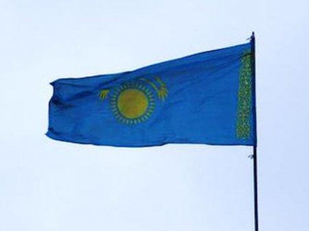 Перевернутый флаг может стоить должности главе спецЦОНа Астаны