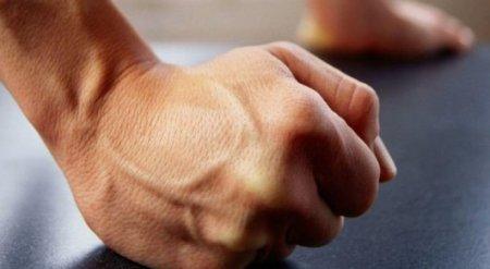 Чиновника уволили после драки с главврачом больницы в Павлодаре