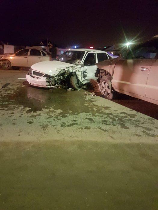 На дороге между селами  Айракты и Шеркала столкнулись два автомобиля