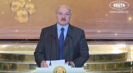 """Беларусь в ближайшие годы будут """"пробовать на зуб"""" - Лукашенко"""