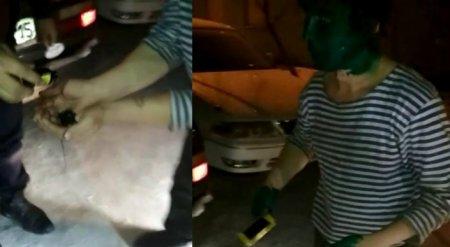 Таксисты заставили умыться зеленкой неоплатившего проезд клиента
