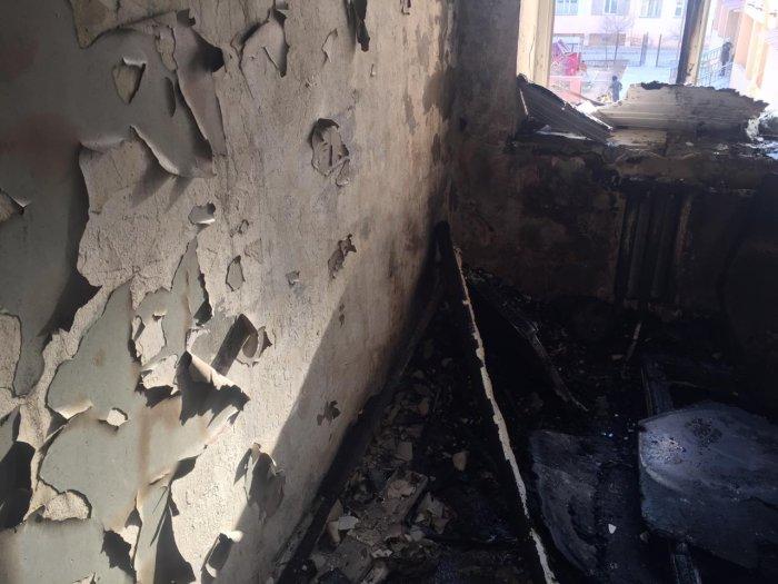 В Актау 40 человек эвакуировали из-за возгорания мусора