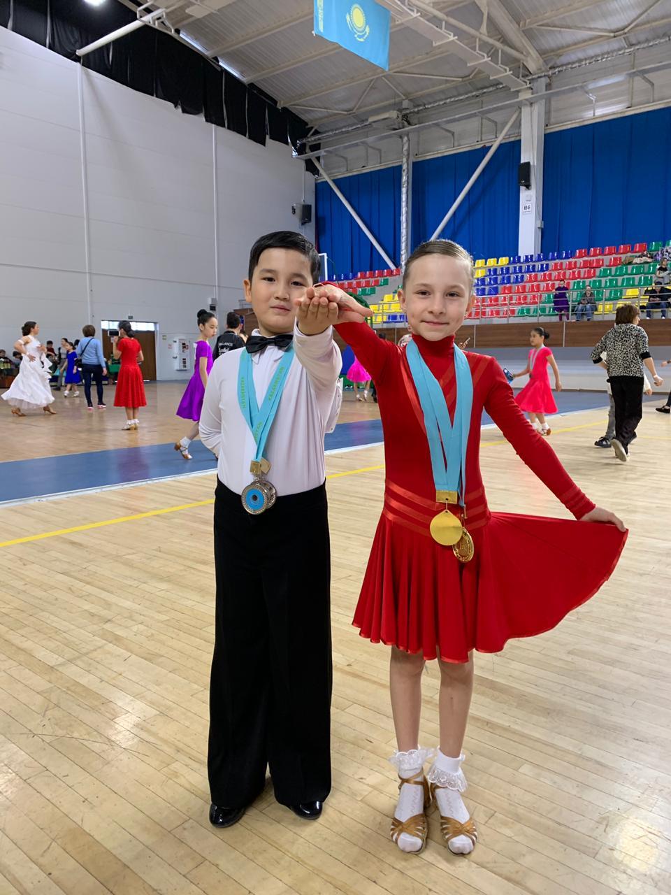 Танцоры из Актау привезли 28 медалей с международных соревнований