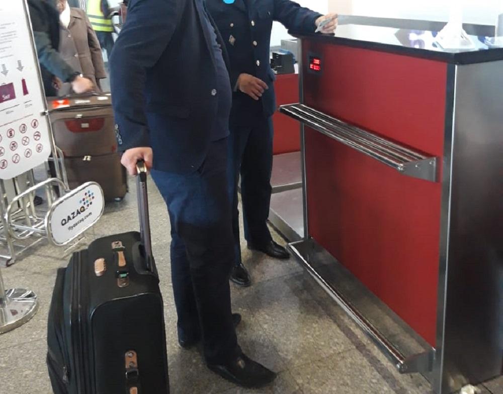 Должника по штрафам ПДД сняли с рейса в аэропорту Актау