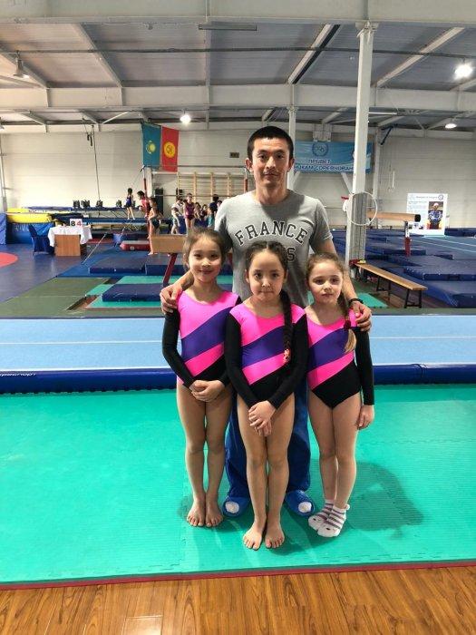 Юные атлеты Актау завоевали восемь медалей на республиканском турнире по спортивной гимнастике