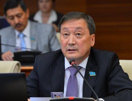 Министр Омаров не согласен с идеей наказывать начальников за коррупцию подчиненных