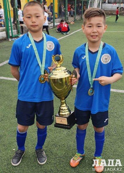 Команда «Мангистау» стала золотым призером международного турнира по футболу