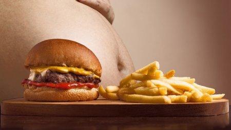 Вредная еда убивает больше людей, чем курение