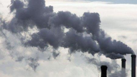 Депутат Мажилиса назвал 14 городов Казахстана с самым грязным воздухом