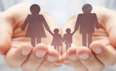 В Казахстане женщин больше чем мужчин на полмиллиона