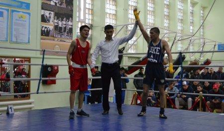 Любительский турнир по боксу стартовал в Актау