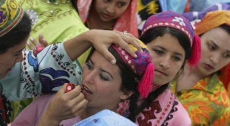 В Узбекистане изменили брачный возраст для девушек