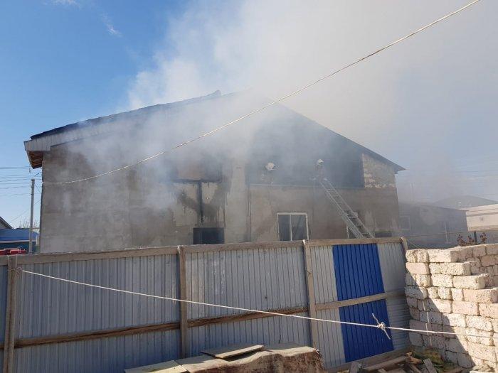 В селе Атамекен произошел пожар