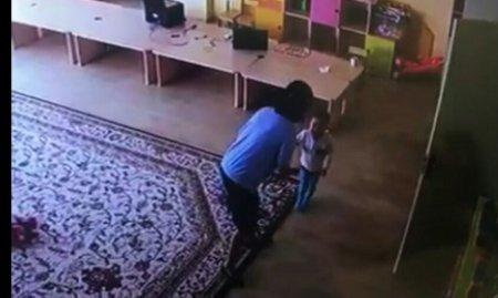 Камера сняла, как воспитательница ясли-сада избивает детей в Алматы