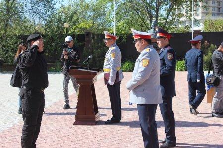 Полицейских Мангистау наградили в честь Дня защитника Отечества