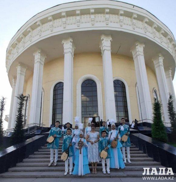 Домбристы из Актау покорили Ташкент
