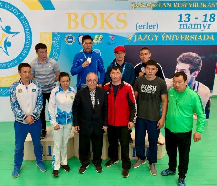 Мангистауские боксеры завоевали три золотые медали на универсиаде в Уральске