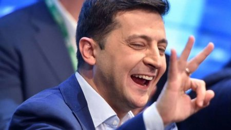 """Зеленский назначил на государственные должности своих коллег по студии """"Квартал 95"""""""