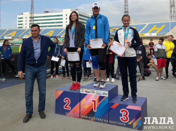Легкоатлеты из Актау удостоились 14 медалей на двух чемпионатах