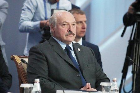 Лукашенко о Назарбаеве: Мы из него ещё многое сможем выжать