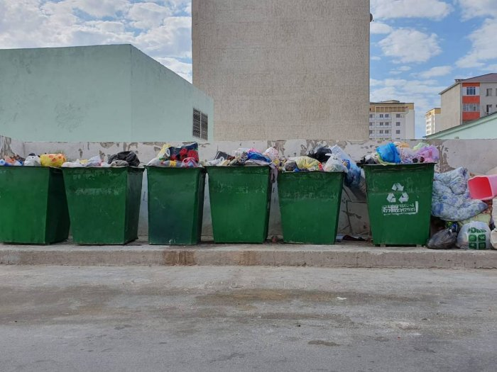 В ТОО «Каспий сервис» ответили на критику жильцов о несвоевременном вывозе мусора