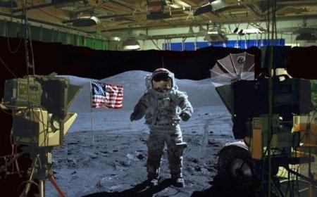 Ассанж ответил на арест: показал «полет» американцев на Луну