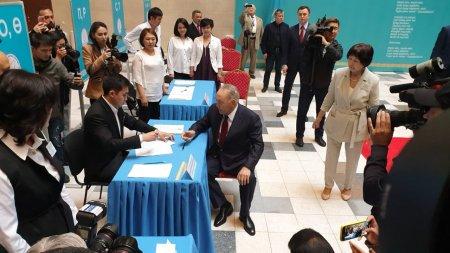 Нурсултан Назарбаев проголосовал на выборах президента
