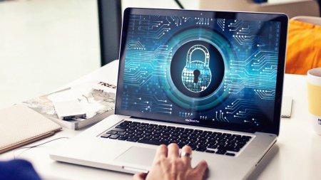 Проблемы с доступом в Интернет в период митингов объяснили в Генпрокуратуре