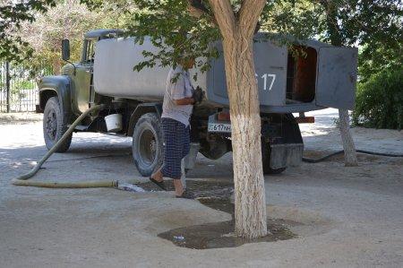 Поломка оборудования стала причиной отставания от графика полива  в Актау