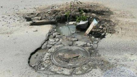 Водитель отсудил 1,4 млн тенге за яму на дороге в Уральске