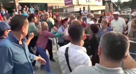 Видео с нападениями на полицейских во время митингов опубликовало МВД