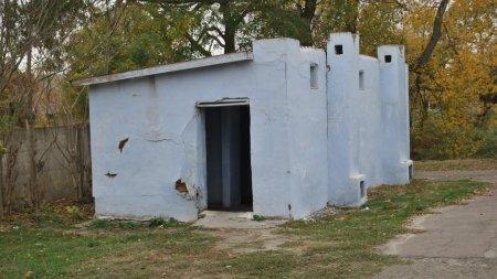 Принимаем критику: вице-министр о страшных придорожных туалетах Казахстана