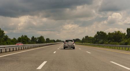 Как хотят штрафовать за превышение средней скорости в Казахстане