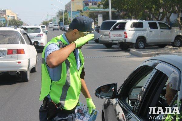 За четыре дня полицейские выявили свыше 600 нарушений правил дорожного движения в Актау