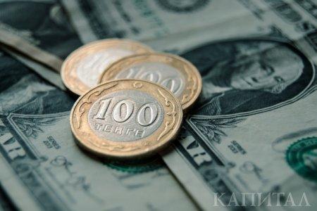 Еще один рекорд: доллар стоит 385,10 тенге