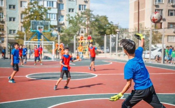 Спортивная площадка в 13 микрорайоне приобрела новый облик