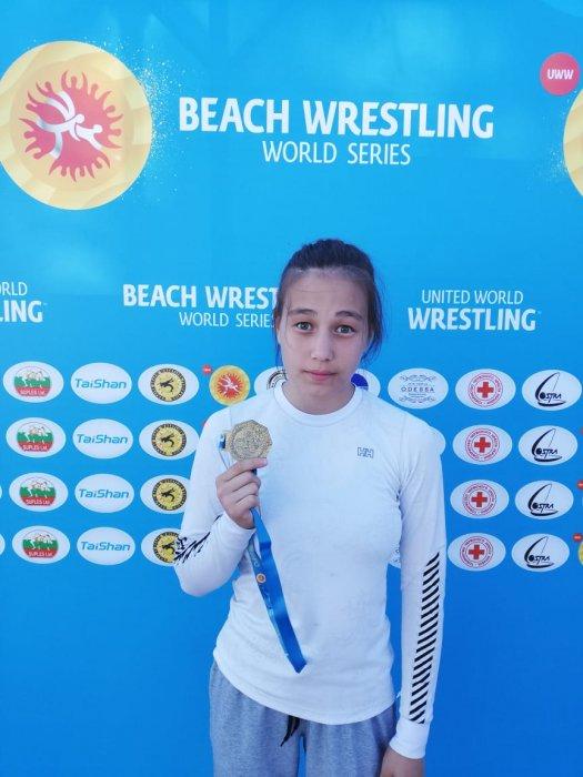Марал Танирбергенова из Актау стала  чемпионкой мира по пляжной борьбе