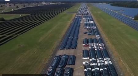 Найдено огромное «кладбище недоделанных Mercedes-Benz»