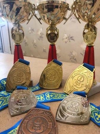 Штангисты из Жанаозена завоевали три «золота» турнира в Атырауской области