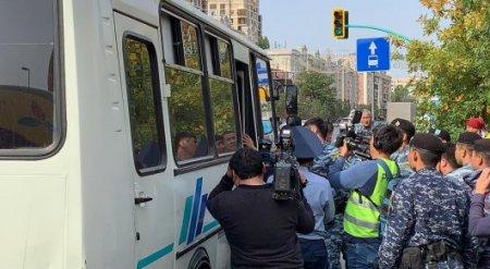 57 человек задержаны на несанкционированных митингах в Нур-Султане и Алматы