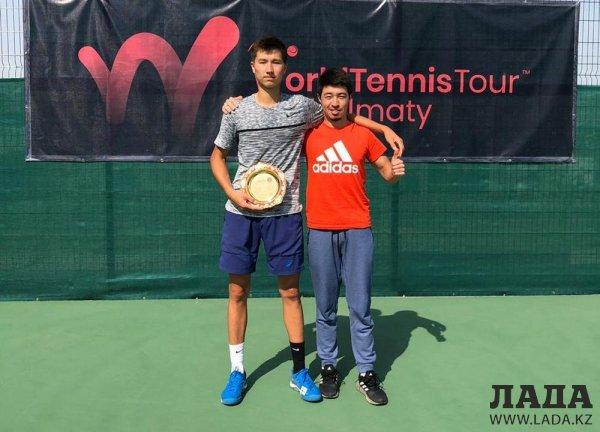 Теннисист из Актау стал вторым на международном турнире в Узбекистане