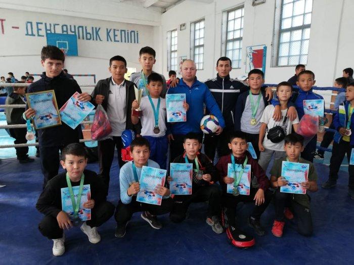 Боксёры из Мангистау завоевали семь медалей на республиканском турнире
