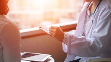 28 врачам перинатального центра Атырау подписали заявления об увольнении