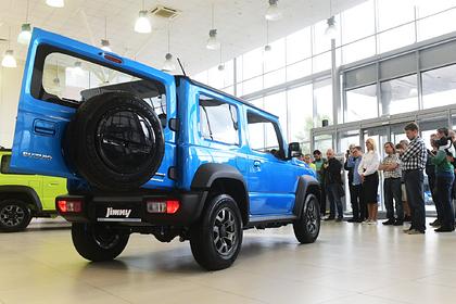 Автомобили в России резко подорожают