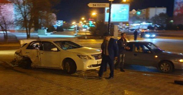 Пьяный за рулём «пролетел» на «красный» и протаранил иномарку в Актау