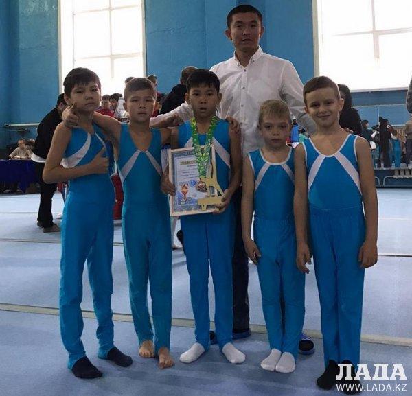 Гимнасты из Актау заняли весь пьедестал почета на чемпионате страны
