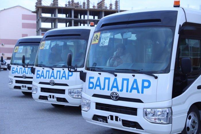 Ключи от нового автотранспорта вручили медицинским и образовательным учреждениям Жанаозена