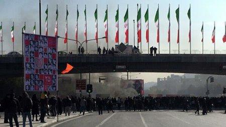 В Иране задержали около 180 лидеров беспорядков, сообщили СМИ