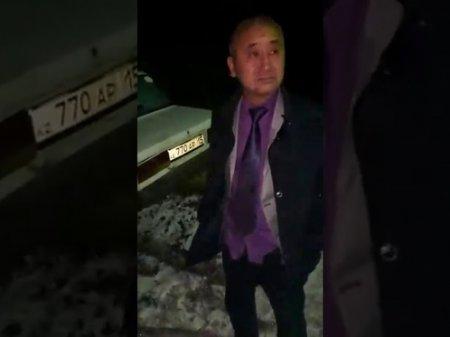 Пьяный в стельку аким врезался в забор: чиновника вернули на госслужбу в СКО