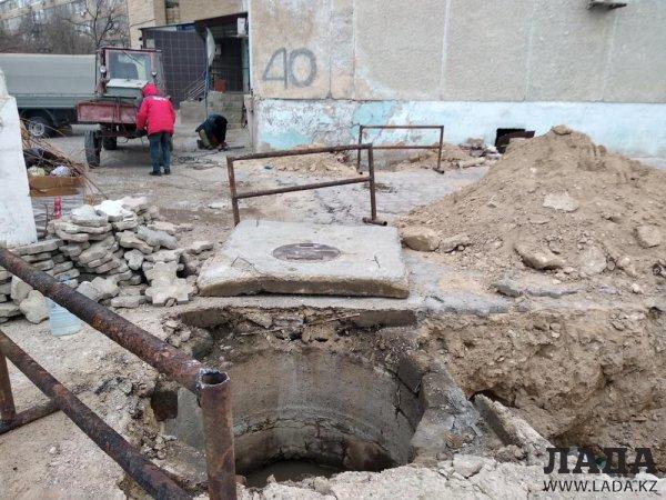 Двое суток без воды: Жителям 11 микрорайона Актау направили водовоз